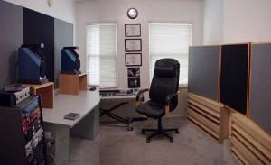Full Room for Robert Troy